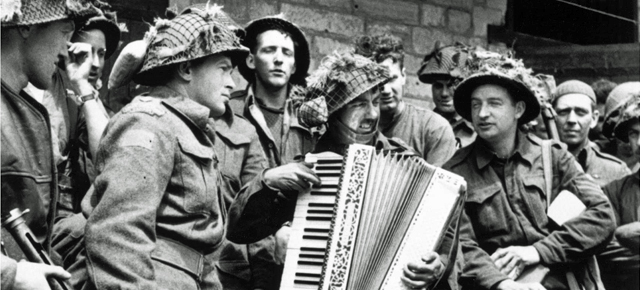 Witnessing War: 10 Photos of Canadians Involved in WW2